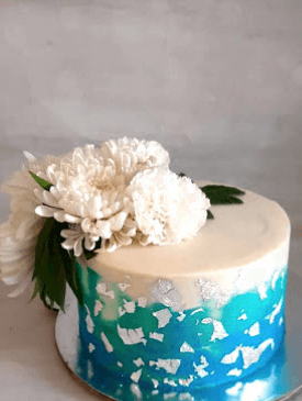 Blue & Silver Fresh Flower Cake